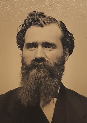 ANTIQUE VINTAGE AMERICAN LONG BEARD MAN PORTRAIT VICTORIAN FASHION TINTYPE PHOTO