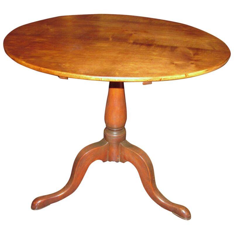 Antique American Maple Tilt Top Tea Table Circa 1785