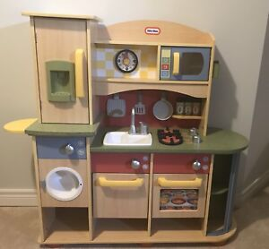 Little Tikes Wooden Play Kitchen W Food And Accessories