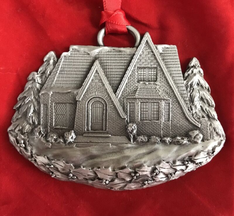 2006 MGIC Limited Edition of 10,000 A Schumann Christmas Pewter Ornament w/Pouch
