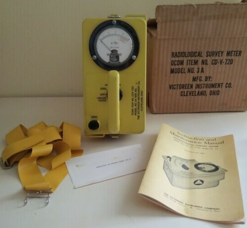 Victoreen Radiological Geiger Counter Survey Meter Detector CD V-720 NOS 1961