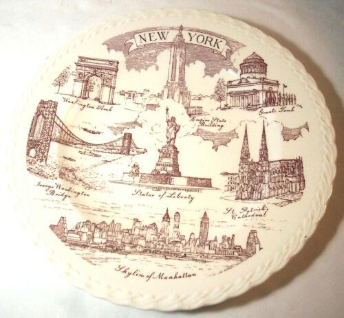 Vernon Kilns Souvenir Collector Plate: New York: MANHATTAN SKYLINE: Red: EXC: NR