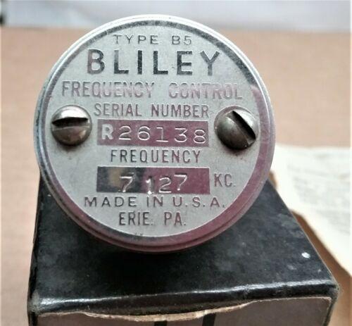 1 NOS Bliley Crystal VF1  Crystal  7127 Kc TYPE B5