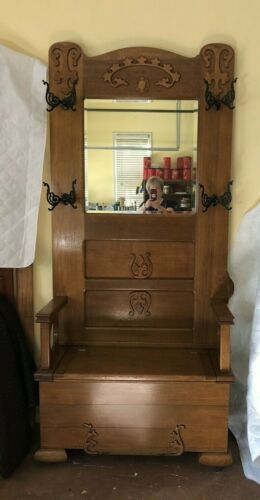 C1910 ANTIQUE GOLDEN OAK HALL TREE BENCH WITH STORAGE ORIGINAL BEVELED MIRROR