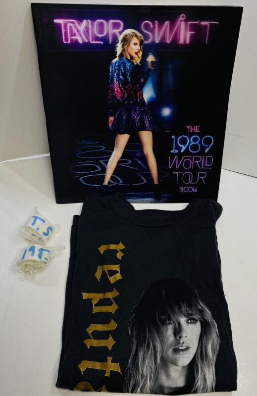 Lot 4 TAYLOR SWIFT 1989 WORLD TOUR CONCERT PROGRAM BOOK Shirt Wristbands