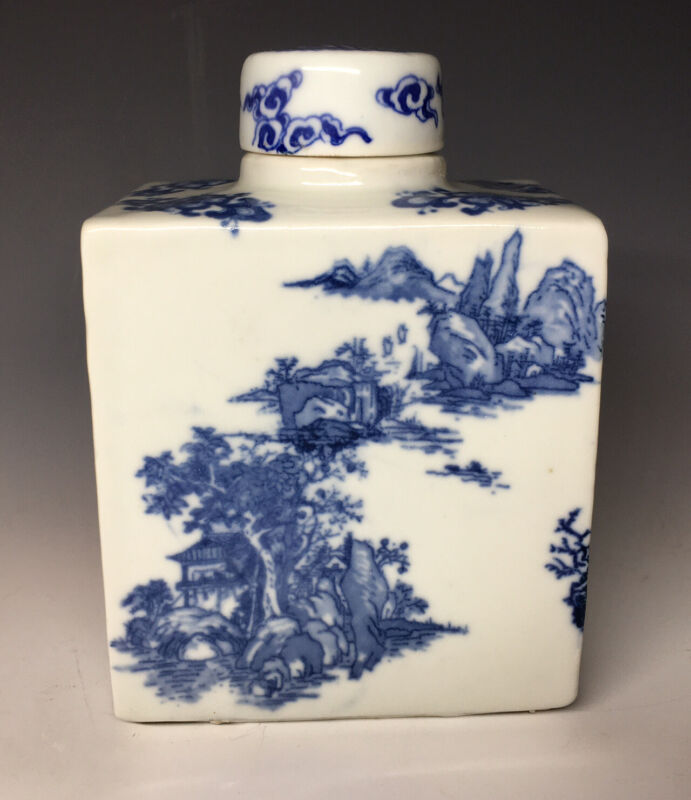 Kangxi Qing Dynasty Porcelain Chinese Tea Caddy w/ Lid Blue & White