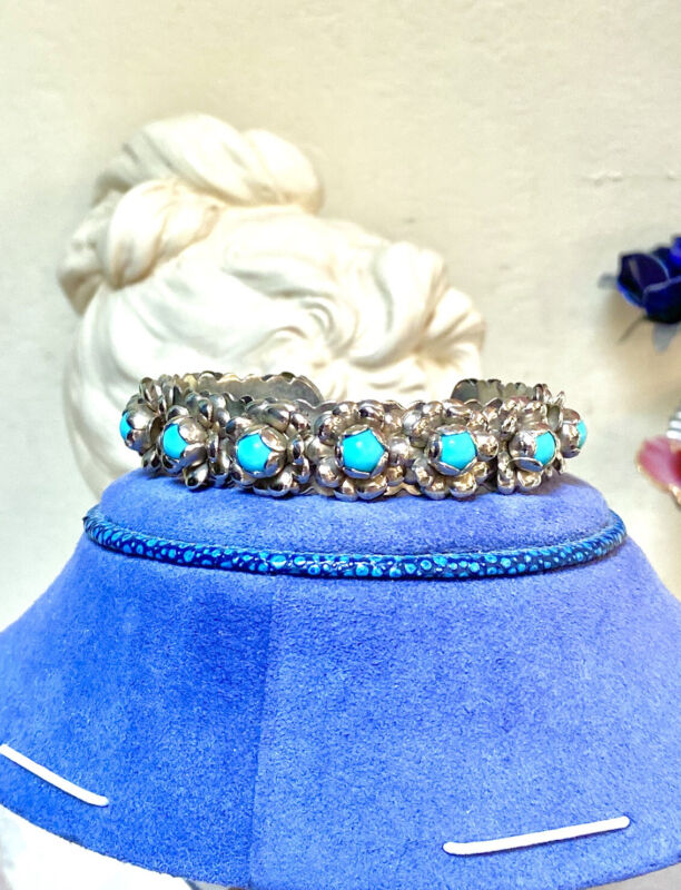 Pretty Vintage Mexican Artisan Ornate Floral Design Blue Stone Cuff Bracelet