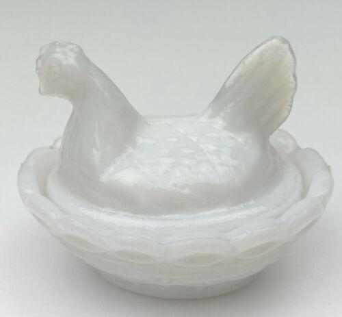 """Nesting Hen Chick on Nest 2.5"""" Salt Dip Cellar Glass Opalescent Opaque Milk"""