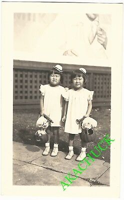 1930s Vintage Photo HALLOWEEN TWINS Milk Billboard MASKS PAPER MACHE PUMPKINS J - 1930s Halloween Masks