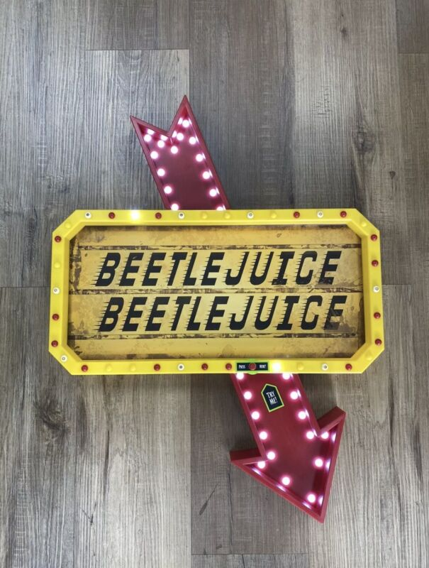 🎃 NEW Beetlejuice LED Light Up Marquee Sign SPIRIT HALLOWEEN FAST SHIP 🎃
