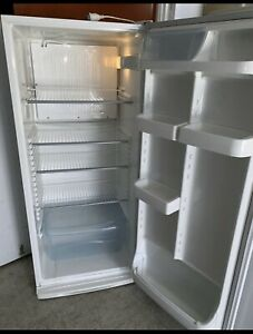 Warranty L426 Fridge only no Freezer Westinghouse Very good cond