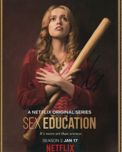 Aimee Lou Wood Sex Education Autographed Signed 8x10 Photo COA 2020-1