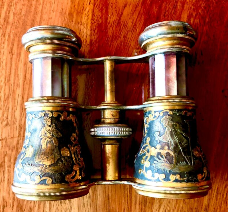 ANTIQUE LADIES OPERA GLASSES, LA REINE  PARIS MOTHER OF PEARL & GOLD HIGHTLIGHTS