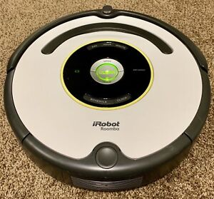 Great condition Roomba 669 with accessories