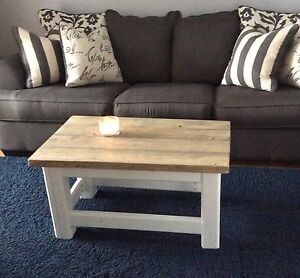 Distressed wood coffee table / bench
