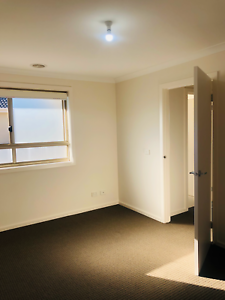 ROOM FOR RENT IN BROADMEADOWS $165 P/W
