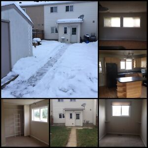 3 BDRM Townhouse in Thickwood