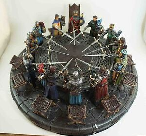 LEGENDARY BRITISH KING ARTHUR AND KNIGHTS OF THE ROUND TABLE FIGURINE STATUE ART