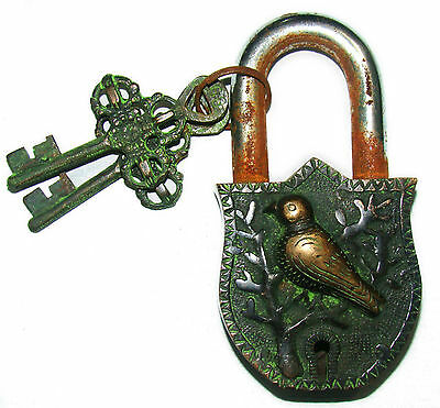 An Unusual CHARISMATIC Brass made A Pigeon on a Tree PADLOCK 2 keys from India