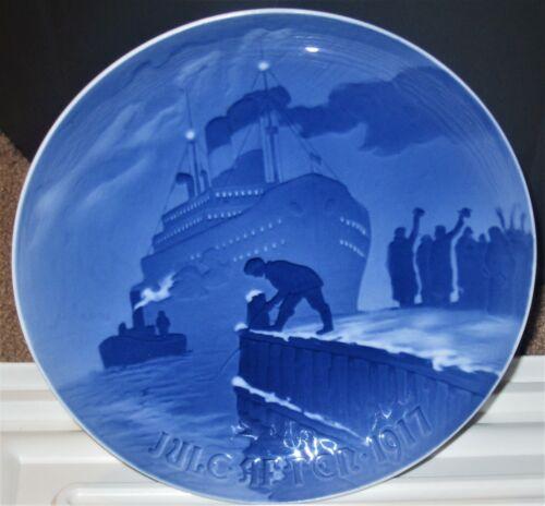 Bing & Grondahl (B&G) Christmas Plate - 1917 - Arrival of the Christmas Boat