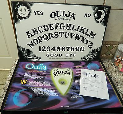 OUIJA Glow In the Dark Mysterious Mystifying GAME COMPLETE Ages 8+ Parker Bros