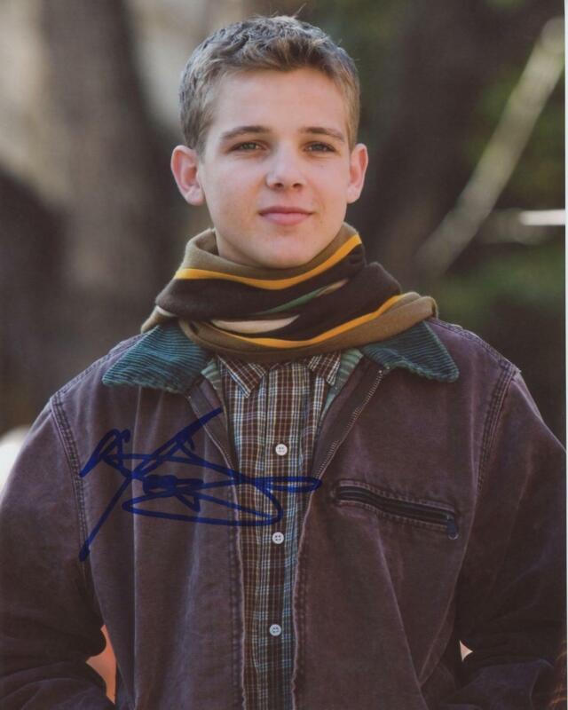 """Max Thieriot """"Nancy Drew"""" AUTOGRAPH Signed 8x10 Photo"""