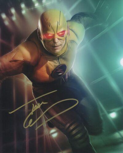 Tom Cavanagh The Flash Autographed Signed 8x10 Photo COA 2019-7