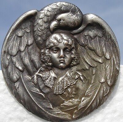 """AUTHENTIC! 1940s FRENCH METAL """"EAGLE -WINGS AROUND CHILD"""" VINTAGE PICTURE BUTTON"""