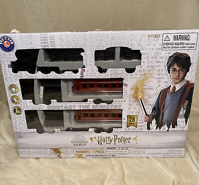 NEW 28 pc Harry Potter LIONEL HOGWARTS EXPRESS TRAIN SET W 65 x 41 track