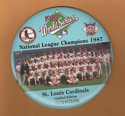 1987 World Series Teams - 1987 ST LOUIS CARDINALS 6 inch WORLD SERIES TEAM PICTURE LIMITED #'d BUTTON