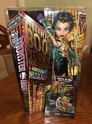 Monster High Nefera De Nile  Doll NEW NIB Boo York (Nefera De Nile)