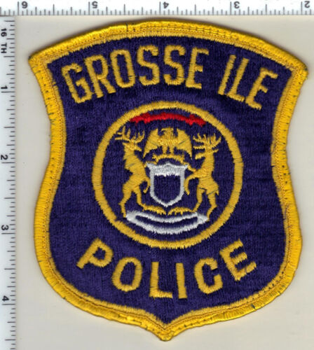 Grosse Ile Police (Michigan) Uniform Take-Off Shoulder Patch from 1991