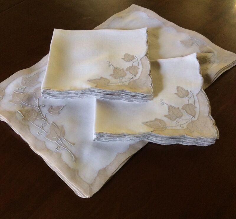 8 Madeira Linen Placemats & 8 Napkins, Embroidered & Appliquéd, Excellent Cond.