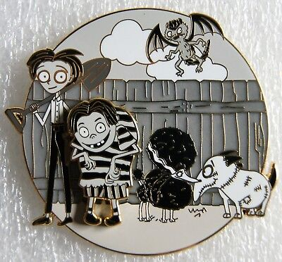 FRANKENWEENIE VICTOR SPARKY PERSEPHONE EDGAR BLACK WHITE FANTASY TALES PIN LE 50](Frankenweenie Black And White)