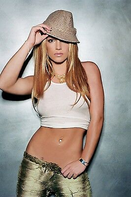 Britney Spears Unsigned 8x12 Photo (55)