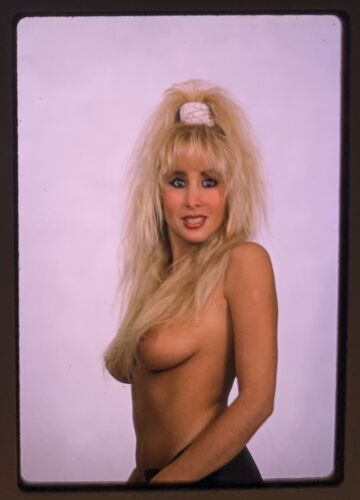 CLASSIC VINTAGE NUDE PIN UP MODEL 35MM SLIDE TRANSPARENCY - $3.00
