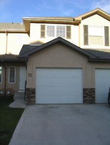 Beautiful townhouse with attached garage