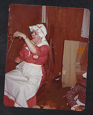 Vintage Photograph Woman in Pilgrim Outfit/Dress Spinning Wool - Bonnet / Apron (Pilgrim Outfit)