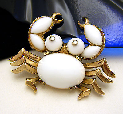Crown Trifari Pat Pend Vintage Brooch Figural White Glass Crab Gold Tone on Lookza