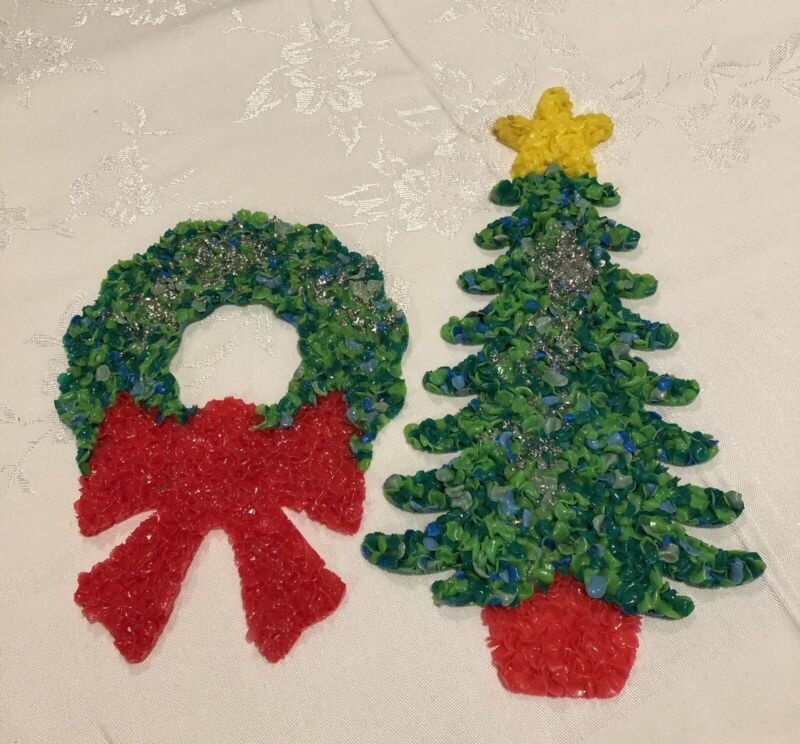 Small Vintage Melted Plastic Popcorn Christmas Tree And Wreath