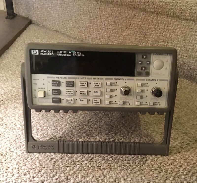 HP53131A Universal Frequency Counter tested and working complete with handle