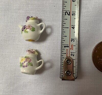 2x Minature Dolls House floral tall tea pots -dolls house minatures-vintage