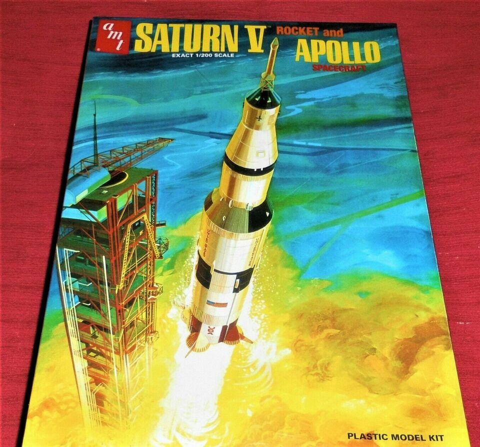 Saturn V Rocket and Apollo Spacecraft Rakete in 1:200 AMT ca.18cm in Sachsen-Anhalt - Freyburg (Unstrut)