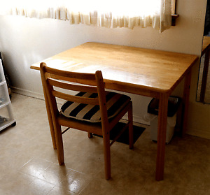 Hard wood Dining table with 4 chairs for sale