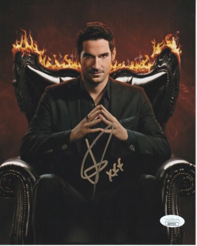 Tom Ellis Lucifer Autographed Signed 8x10 Photo ACOA