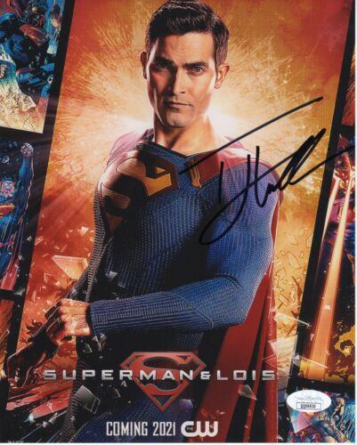 Tyler Hoechlin Superman and Lois Autographed Signed 8x10 Photo COA  JSA