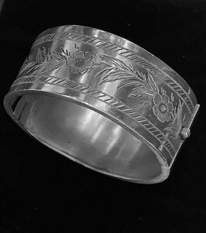 Victorian Sterling Silver Hinged Bangle Bracelet Floral Motif