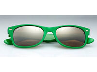 RAY BAN SUNGLASSES USED BUT EX CON - GREEN