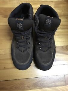Selling Original Timberland Shoe Size 11 Brand New