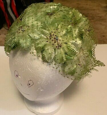 1950s Hats: Pillbox, Fascinator, Wedding, Sun Hats GREEN VINTAGE WOMAN'S CHURCH HAT c1940s or 1950s $10.00 AT vintagedancer.com